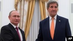 美國國務卿克里和俄羅斯總統普京在莫斯科舉行了4小時會談。