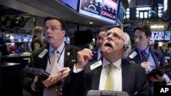 عالمی منڈی میں تیل کی قیمتیں بھی مسلسل گراوٹ کا شکار ہیں