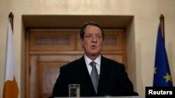 Presiden Nicos Anastasiades mengatakan Siprus harus melakukan usaha bersama dan konsisten untuk keluar dari krisis, Rabu (3/4).