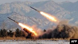 شمالی کوریا کے کسی نامعلوم مقام سے میزائل داغنے کی مشق کی جا رہی ہے۔