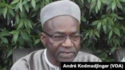 Le chef de file de l'opposition tchadienne, Saleh Kebzabo de l'UNDR à N'Djamena le 29 avril 2016. (VOA/André Kodmadjingar)