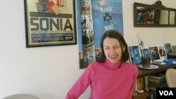 Люси Костелянец в своей студии в Нью-Йорке. Photo by Oleg Sulkin