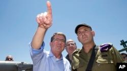 美國國防部長卡特星期一與以色列國防部長亞龍, 前往以色列北方視察靠近黎巴嫩邊境地區的形勢。