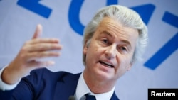 گیرت ویلدرز سیاستمدار هالندی است که مخالفت شدید با اسلام دارد