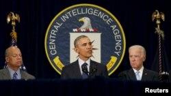 le président Barack Obama donne un discours après une réunion avec la CIA à Langley en Virginie le 13 avril 2016.