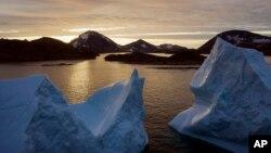 格陵蘭島的冰川在過去十年中加速融化。 (2019年8月16日)