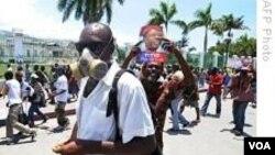 Enpak Koup Dimond Foutbòl la Sou Manifestasyon ann Ayiti