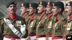 کشته شدن سه پولیس در پاکستان