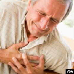 Warga berkulit putih memiliki resiko terkena serangan jantung yang lebih kecil, dibandingkan kelompok ras lainnya.