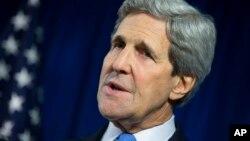 Ông Kerry nói các biện pháp trừng phạt kinh tế mà Hoa Kỳ, Liên Hiệp châu Âu và các nước khác áp đặt đối với Nga đã góp công phần nào vào việc đưa tới sự thay đổi có thể thấy trong các chính sách của Tổng thống Vladimir Putin.
