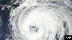 Sự hình thành và di chuyển của bão Talas - Hình chụp bởi vệ tinh của NASA
