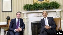 Sekjen NATO Anders Fogh Rasmussen (kiri) dan Presiden Obama di Gedung Putih (7/11).
