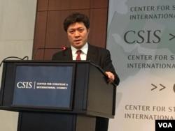 日本东京大学国际政治学教授松田康博 (美国之音钟辰芳拍摄)