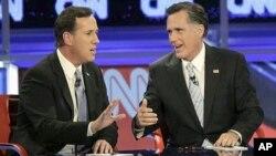A falar ao mesmo tempo. Rick Santorum e Mitt Romney