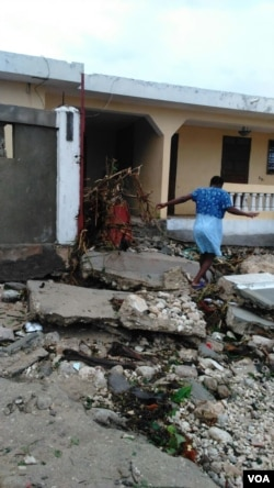 Home damaged by Hurricane Matthew in Mole St. Nicolas, Haiti, Oct. 7, 2016. (Photo: Corneille Shmitt for VOA)