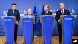 EU komesar za unutrašnje poslove Dimitris Avramopulos, švedski ministar za pravosudje i migracije Morgan Johanson, danska ministarka za imigracije Inger Stojberg i parlamentarni državni sekretar Ole Šreder posle sastanka o graničnoj kontroli u Briselu
