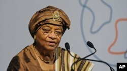 Ellen Johnson-Sirleaf, dans une conférence à Londres, le 13 juin 2011