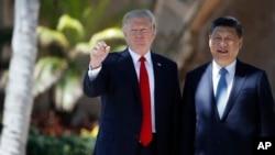 Le président Donald Trump et le président chinois Xi Jinping à Mar-a-Lago, le 7 avril 2017, à Palm Beach, en Floride