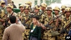 在廣場上的埃及軍隊