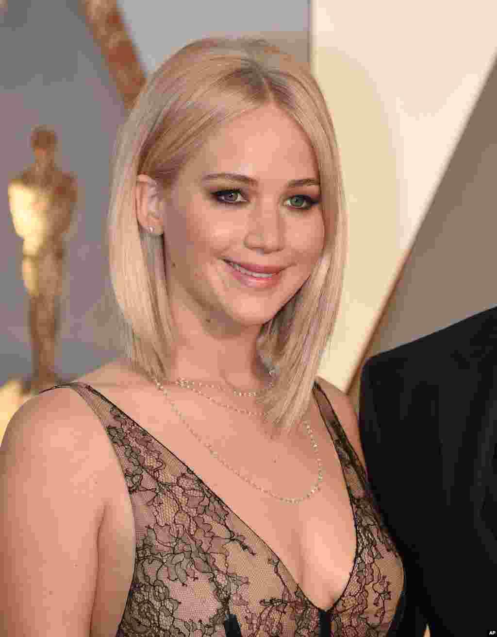 جنیفر لورنس برای فیلم جوی، نامزد بهترین بازیگر زن نقش اول شده است.