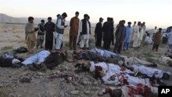 무장 괴한들의 총격으로 사망한 버스 탑승자들