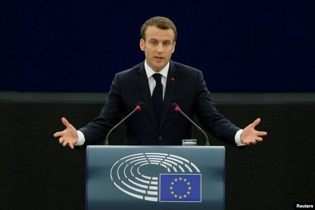 ប្រធានាធិបតីបារាំង Emmanuel Macron ថ្លែងសុន្ទរកថាមុនពេលកិច្ចពិភាក្សាអំពីអនាគតរបស់ទ្វីបអឺរ៉ុប នៅឯសភាអឺរ៉ុបក្នុងទីក្រុង Strasbourg កាលពីខែមេសា។