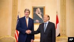 جان کیری اور یمنی صدر منصور ہادی