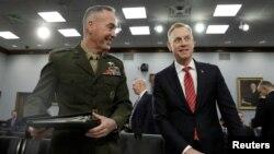 Le ministre de la Défense Patrick Shanahan et le chef d'état-major Joseph Dunford.