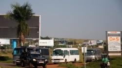 首批51名從喀佈爾撤離的阿富汗人抵達烏干達
