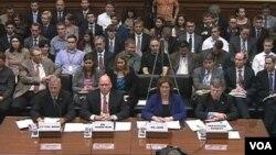 国会就班加西美领馆遭袭事件举行听证(视频截图)