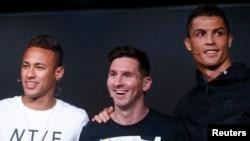 Os três da vida airada: Neymar, Messi e Ronaldo com razão para sorrir