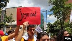 Estudiantes venezolanos salieron a pronunciarse en una manifestación donde apoyaron a sus respectivos candidatos. Todo esto sin violencia. [Foto: Iscar Blanco]