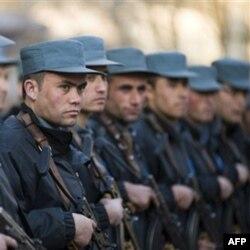 Afg'oniston politsiya akademiyasi kursantlari