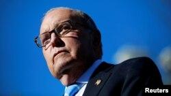Larry Kudlow, asesor económico de la Casa Blanca dijo que el presidente Trump respalda a Herman Cain y al comentarista económico Stephen Moore para ocupar los cargos vacantes en la Fed.