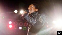 지난 2012년 저메인 잭슨이 뉴욕 브룩클린에서 공연 중이다.