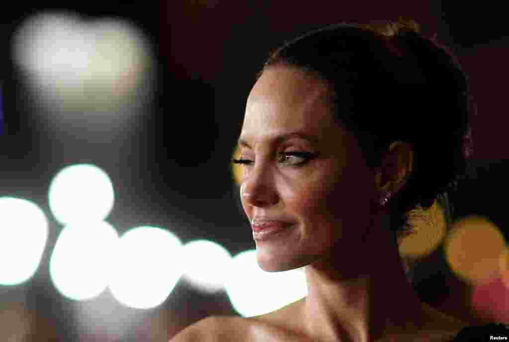 "Los-Anceles - Aktrisa Ancelina Joli ""Maleficent: Mistress of Evil"" filminin premyerasında"