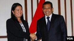 Keiko Fujimori dijo que si se confirmaba la victoria de Humala iría a saludarlo, cosa que concretó pasadas las 6 de la tarde del lunes 6 de junio de 2011 en Lima.