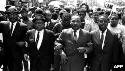ვაშინგტონში მარტინ ლუთერ კინგის მემორიალი გაიხსნება