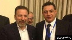 نزار زکا در یکی از همایش هایی که در ایران شرکت کرده بود در کنار محمود واعظی وزیر ارتباطات ایران.