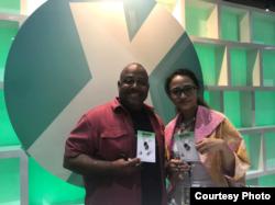 Ariela Kristantina (kanan) bersama penulis Marc Bernadine di ComiXology booth di San Diego Comic-Con 2019 (dok: Ariela Kristantina)