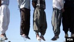 İran İslam Respublikası məhkumları ictimaiyyət qarşısında edam edən azsaylı ölkələrdəndir.