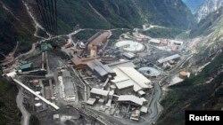 Tambang Freeport-McMoran Cooper & Gold Inc., di Papua.