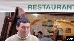 Лиссабонский ресторатор Педро уже подсчитывает убытки от нынешней забастовки.