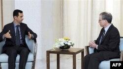Shtetet e Bashkuara, Siria tërheqin ambasadorët