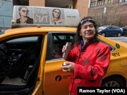 미국 뉴욕의 택시운전사 2018년 달력에서 12월 모델로 실린 알렉스 왕 씨.