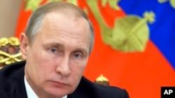 Le président russe Vladimir Poutine au Kremlin à Moscou, le 10 août 2016.
