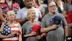 Pristalice Donalda Trampa na mitingu u Orlandu