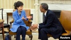 Prezidentlar Pak Gin Xe, Barak Obama Oq Uyda