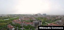 상공에서 바라본 시카고 대학의 메인 뜰.