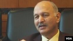 سینیٹر مشاہد حسین سید (فائل فوٹو)